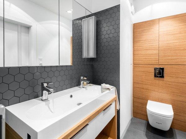 <span>łazienka z hexami</span><i>→</i>