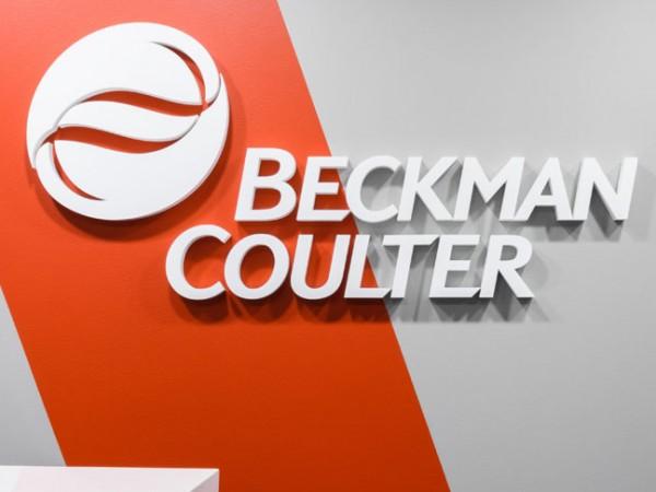 <span>Beckman Coulter – biuro</span><i>→</i>